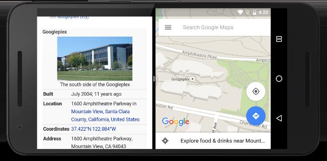 Dua aplikasi berjalan berdampingan dalam mode layar terpisah.