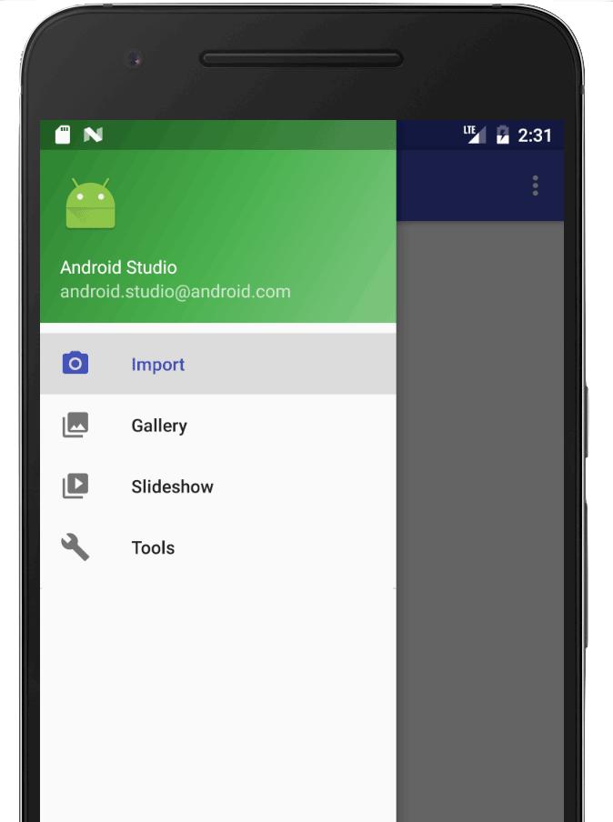 panel samping terbuka yang menampilkan menu navigasi